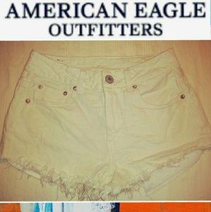 AMERICAN EAGLE HIGH RISE SHORT SHORTS